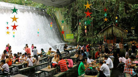 Labassin Waterfalls Restaurant, San Pablo City, Filipinler