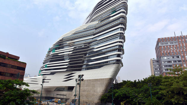 The Peak Hong Kong <a href='http://www.emlaktasondakika.com/haber-ara/?key=Zaha+Hadid'>Zaha Hadid</a>