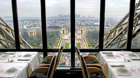 Le Jules Verne, Paris, Fransa