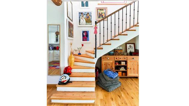 dubleks evde merdiven kullanımı