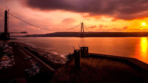 günbatımında 3. köprü