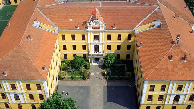 Galatasaray Lisesinin çatı