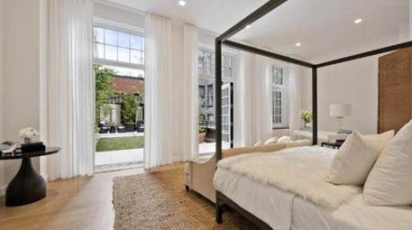 Jennifer Lopez yatak odası