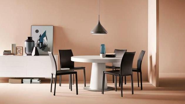 Hafif ve modern yemek masası sandalyeleri