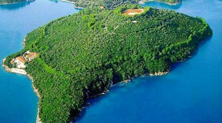 Skorpios Adası