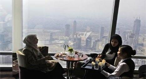 Dünyanın en yüksek binasında en yüksek restoranı