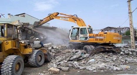 Toplu konut alanlarında yıkımlar hızla sürüyor