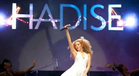 Hadise Taksim konserinde desibel sınırını aştı!