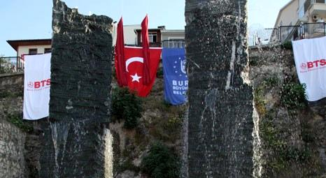 Bursa'da Christian Tobin'in yaptığı Yüzen Taşlar Heykeli açıldı!