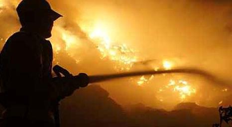 Mısır'daki Libya Çarşısı'nda 400 işyeri yandı!