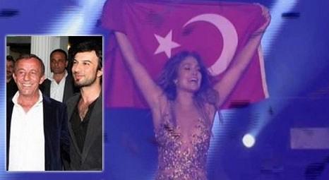 Ali Ağaoğlu, Tarkan'ı locasında ağırladı! Jennifer Lopez konserini beraber izlediler!