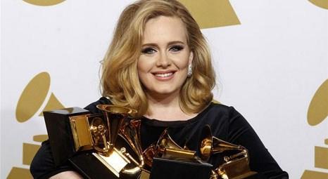 Adele, annesi Penny Adkins'e Londra'dan 600 bin sterline ev aldı!