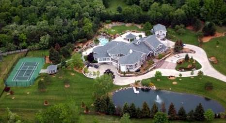 Eminem Detroit'teki evini 1 dolardan satışa çıkardı!