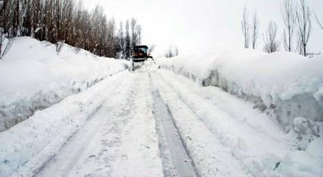 Şehirlerarası ana yollar trafiğe açıldı, 454 vatandaşın canı kurtuldu