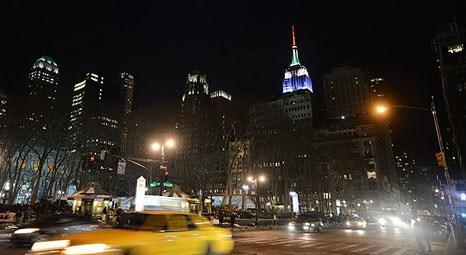 New York Empire State binasının ışıkları Soçi Kış Olimpiyatları için yandı