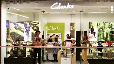 Clarks 5'inci mağazasını Akasya AVM'de açtı