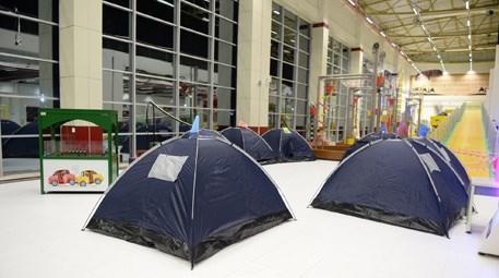 Bilim meraklıları Bursa'da BTM'ye kamp kurdu