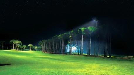 antalyadaki carya golf clubın gece aydınlatması