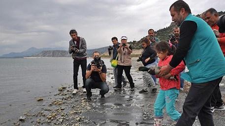 Burdur Gölü kurumasın diye 'su orucu' tuttular