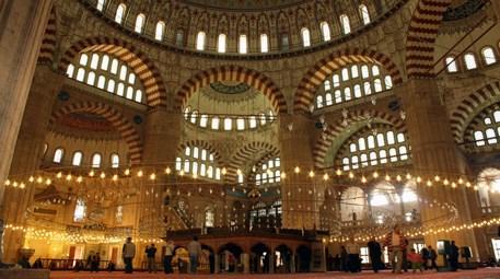 Mimar Sinan'ın ustalık eseri bayram sabahı binlercesini ağırladı