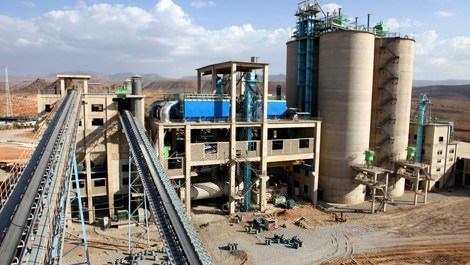 Irak'taki çimento fabrikasına IŞİD el koydu!