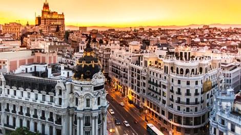 İspanya'daki büyük ve ihtişamlı binalar