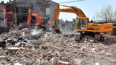 Kentsel dönüşüm kapsamında yıkılan ev