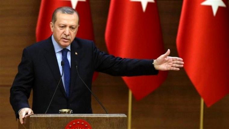 cumhurbaşkanı recep tayyip erdoğan konuşurken