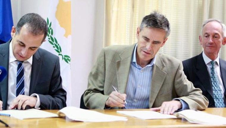 Birleşik Krallık, Zygi bölgesindeki arazisini Lefkoşa'ya sattı