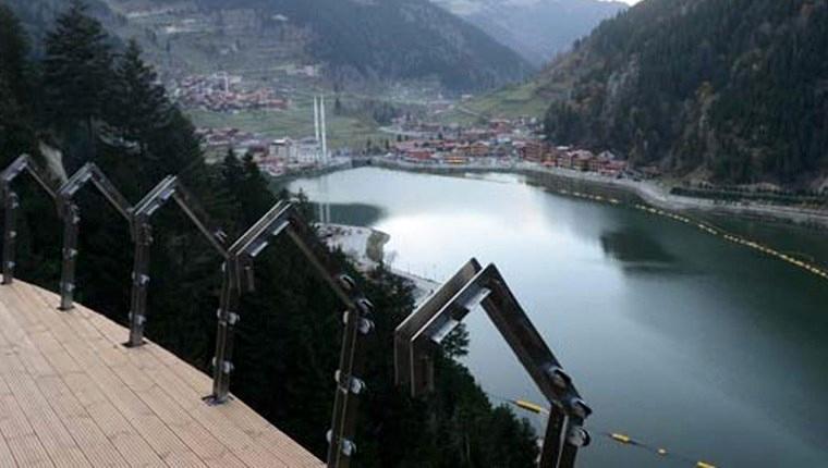 Uzungöl, tamamlanan seyir terasıyla turistleri cezbediyor