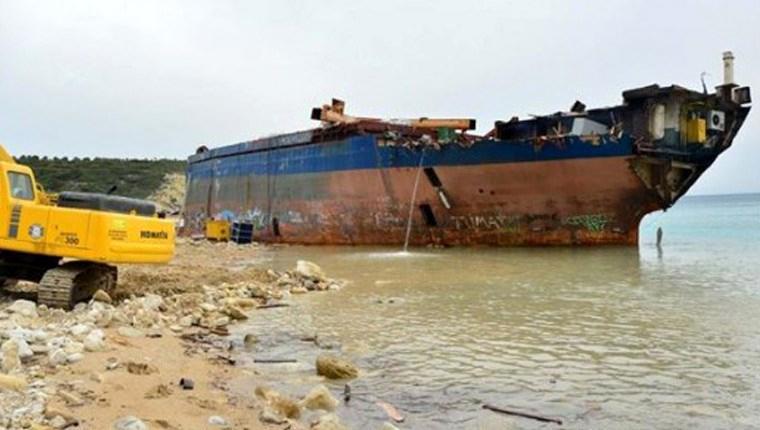 inşaat demiri bozcaada sürüklenen gemi