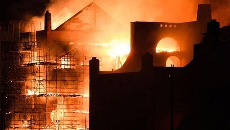 iskoçya tarihi bina yangını