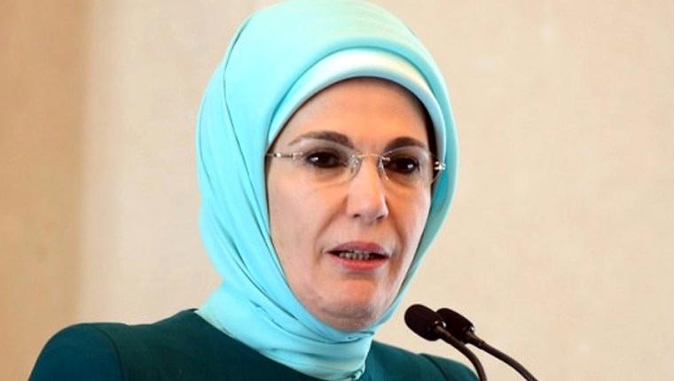 """Emine Erdoğan, """"Filelere geri dönelim"""""""
