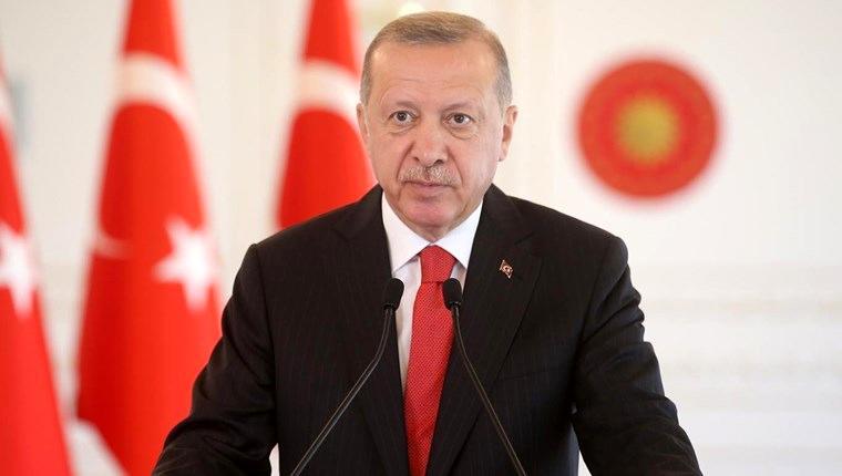 seçim açıklaması yapan cumhurbaşkanı recep tayyip erdoğan