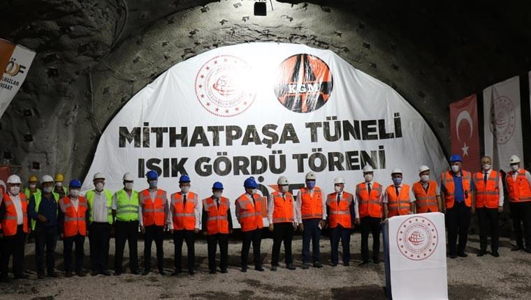 Zonguldak'ta yapımı devam eden Mithatpaşa Tünelleri'nde iki tünelde ışık görüldü töreni yapıldı.