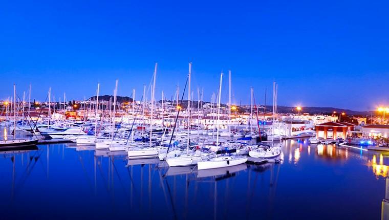 İzmir Yenifoça Yat Limanı ihaleye çıkıyor!