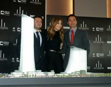 Jennifer Lopez'in Metropol İstanbul'daki anahtar teslim töreni!
