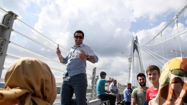 Yavuz Sultan Selim Köprüsü renkli görüntülere sahne oluyor!