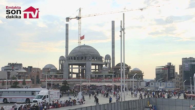 Taksim Camisi'nde ince işçilik ve süsleme işlemine geçildi