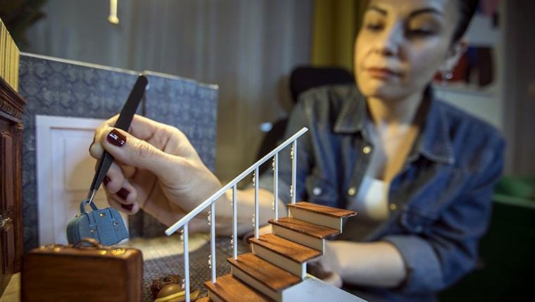 Sanatçı Gül Kanmaz, diorama sanatıyla hayallerindeki dünyayı yeniden canlandırıyor