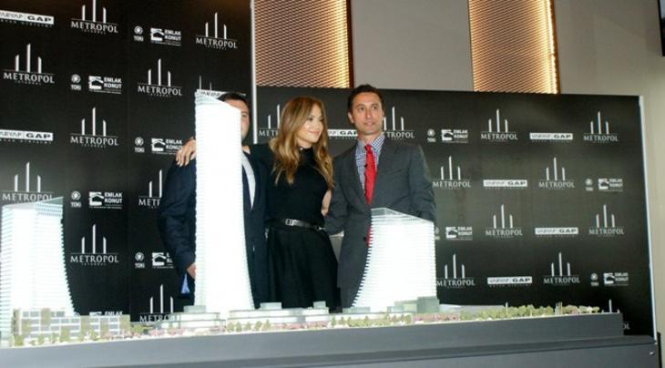 Jennifer Lopez, Metropol İstanbul'daki dairesinin anahtarını teslim aldı!