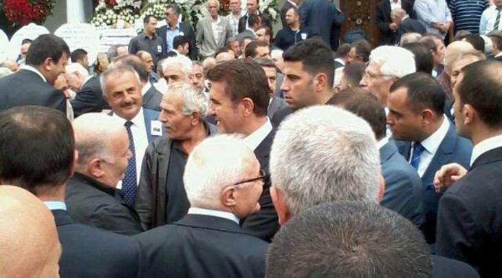 Ali Ağaoğlu'nun babası Miktat Ağaoğlu'nun cenazesinden kareler yayında!
