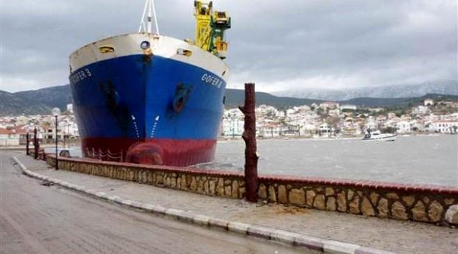 İzmir hayalet gemi