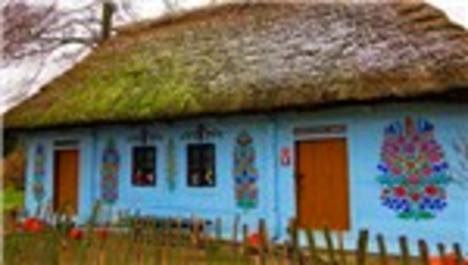 Polonya'nın çiçekli köyü; Zalipie