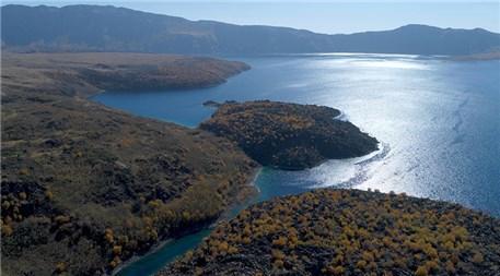 Nemrut Krater Gölü'nün el değmemiş doğallığı ziyaretçileri bekliyor