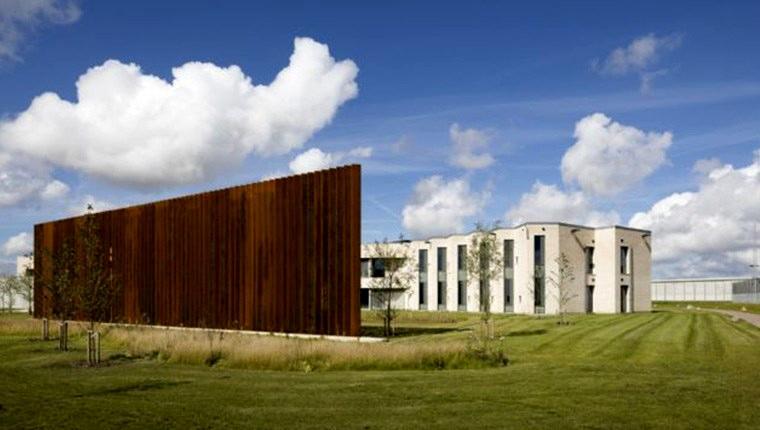 Danimarka'nın Gundslev şehrinin yakınlarında yeni açılan Storstrom Hapishanesi lüks yapısıyla dünya basınının ilgisini çekti.