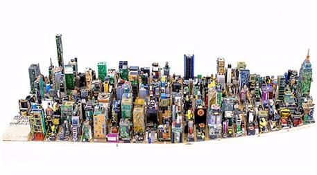 Elektronik atık parçalardan şehir maketi!
