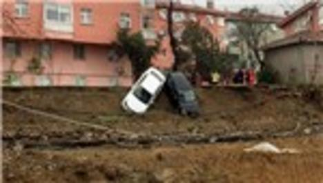 Kadıköy'de otoparkda toprak kayması