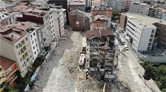 Kağıthane'de riskli binaların yıkımı havadan görüntülendi