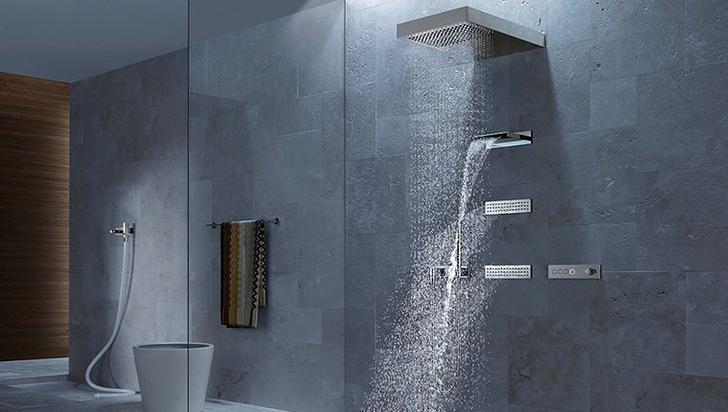 Banyolarda duvarda duş dönemi